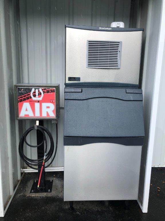 04 Free Air and Ice Machine on site